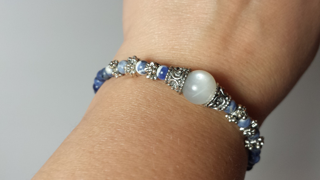 Hecate Bracelet for Wishing - Wish Bracelet honoring the Goddess of Witchcraft in Rainbow Moonstone & Sodalite