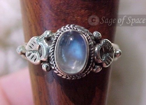 Rainbow Moonstone Wish Ring - Triple Goddess Ring - Moon Goddess Magickal Ring in Sterling Silver 925 for Wiccans, Witches, Pagans